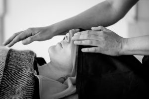 Reportage de métier : Shelby Derudder pratique le massage Arts of Touch